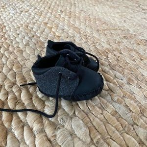 NWOT Old navy baby shoes